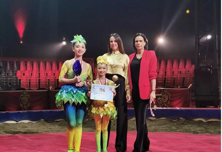 天龙八部私服《鸟巢·蹬椅子》喜获天龙私服蒙特卡洛国际青少年杂技比赛金奖